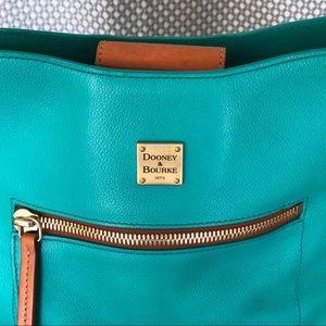 Dooney & Bourke Bags - Dooney & Bourke Crossbody Handbag